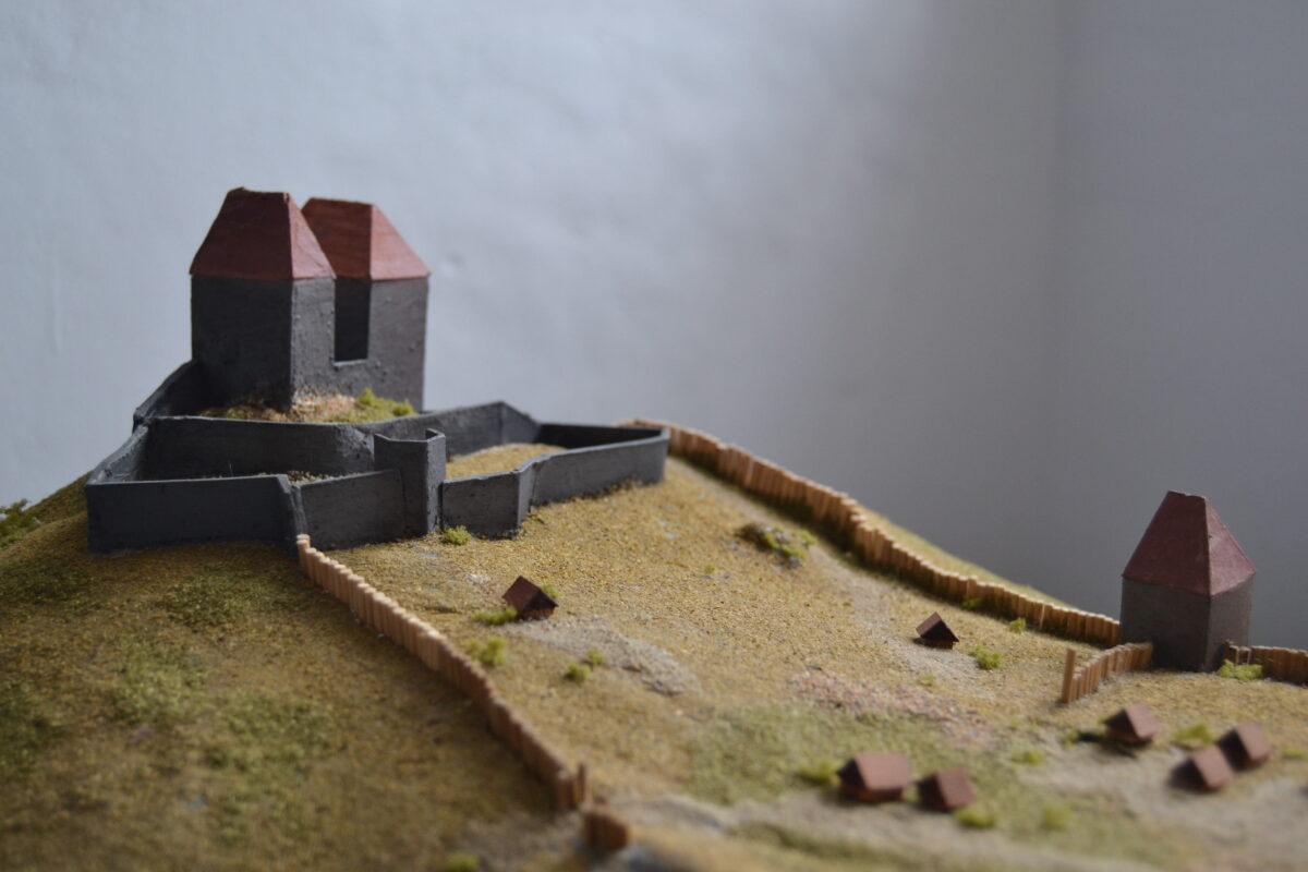Zaniklé jádro hradu Tepence na modelu