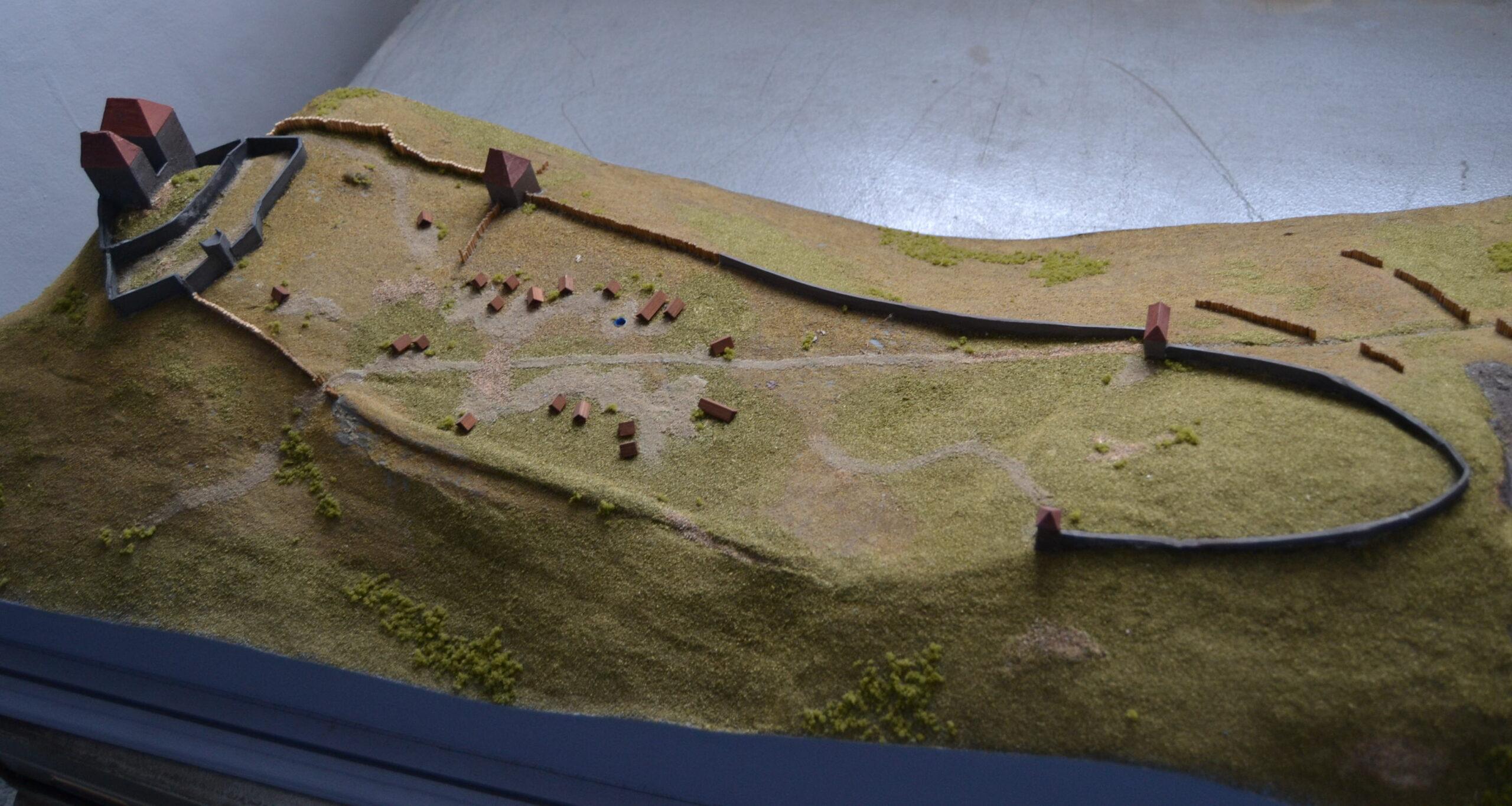 Celkový pohled na maketu hradu Tepence